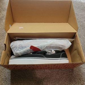 NWT Vans Black Sneakers